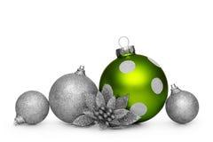 Groep Kerstmisballen die op witte achtergrond wordt geïsoleerd Royalty-vrije Stock Foto
