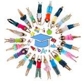 Groep Kinderencirkel en Onderwijsconcept Royalty-vrije Stock Afbeelding