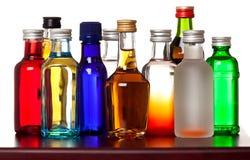 Groep kleurrijke kleine flessen royalty-vrije stock foto