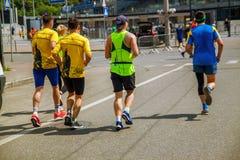 Groep marathonagenten op de straat in de Oekraïne royalty-vrije stock foto's