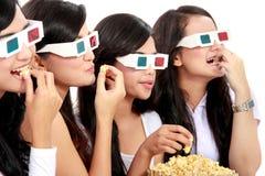Groep meisjes die op de film letten Royalty-vrije Stock Foto