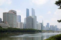 Groep moderne gebouwen in stad Guangzhou China Stock Afbeelding