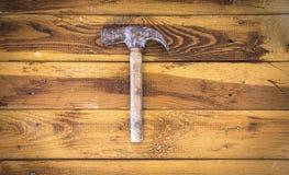 Groep oude oxyde uitstekende hulpmiddelen hamers royalty-vrije stock afbeelding