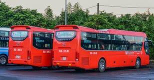 Groep Phuong Trang-bussen stock afbeeldingen
