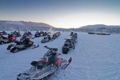 Groep sneeuwscooters Royalty-vrije Stock Afbeeldingen