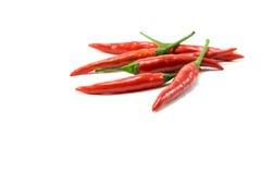 Groep Spaanse peperspeper op witte geïsoleerde achtergrond Stock Foto's