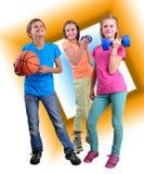 Groep sportieve vrienden met domoren en bal Stock Afbeeldingen