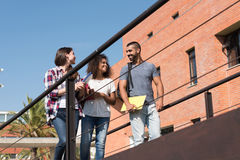 Groep studenten in campus Stock Foto