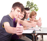 Groep studenten het bestuderen Stock Foto's