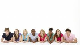 Groep TienerVrienden in Studio stock fotografie
