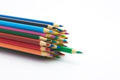 Groep veelvoudig kleuren houten potlood op witte achtergrond royalty-vrije stock foto's