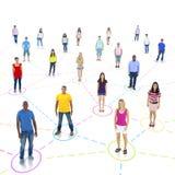 Groeps mensen sociaal voorzien van een netwerk Stock Afbeeldingen