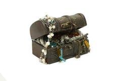 Groeps ofl juwelen in houten borst Royalty-vrije Stock Foto