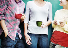 Groepsmensen die Interactie het Socialiseren Concept babbelen royalty-vrije stock afbeelding
