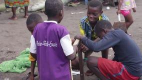 Groepsportret van kinderen, het glimlachen stock footage