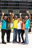 Groepsstudenten het golven Stock Fotografie