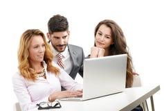 Groepswerk met laptop Stock Fotografie