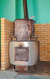 Großer Ofen für die Heizung Stockbilder
