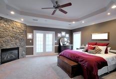 Großer Schlafzimmer-Innenraum Stockfotos
