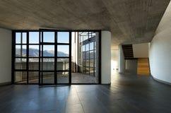 großes Fenster mit der panoramischen Ansicht, Innen Stockfoto