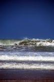 Großes Wellenbrechen Stockbild