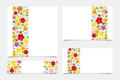 Groetkaarten met bloemenpatronen. Vectorillustratie. Stock Foto