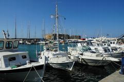 Gromadzący się antyczny port morski Agios Nikolaos, Crete wyspa, Grecja Obrazy Royalty Free