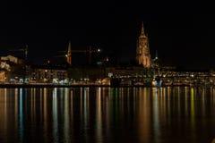 gromadzcy pieniężni Frankfurt linia horyzontu drapacz chmur Zdjęcie Royalty Free