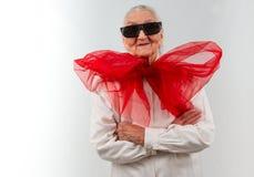 Großmutter mit einer seltsamen Art Lizenzfreies Stockbild