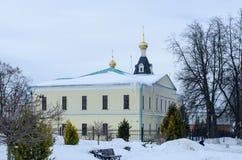 Grondgebied van de winterachtergrond van het gebied van Dmitrov het Kremlin Moskou stock afbeeldingen