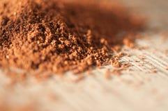 Grondkoffie en chocoladeschilferkoekjes stock afbeelding