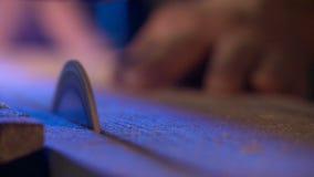 Grondstof, het scheren, traditie, workshop, handen, arbeid stock video