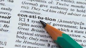 Grondwetswoord in de Engelse hoofden die van de woordenschat hoofdstaat democratie verlenen stock videobeelden