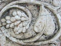 Gronowa wiązki ulga w kamieniu Obraz Stock