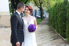 Groom and bride in the city Royalty Free Stock Photos