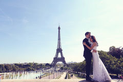 Groom and bride in Paris Royalty Free Stock Images