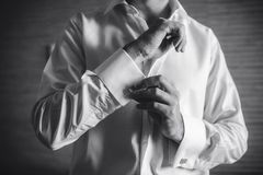 Groom prepares for wedding Royalty Free Stock Images