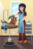Groomer do animal de estimação que prepara um cão no salão de beleza Fotografia de Stock Royalty Free