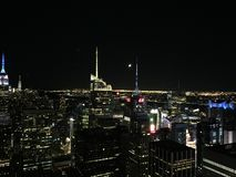 Groot Apple bij nacht NYC royalty-vrije stock afbeelding