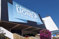 Groot Auditorium die internationaal creativiteitfestival in Cannes ontvangen Stock Fotografie