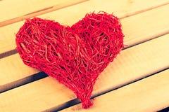 Groot die hart van stro op de Dag van Valentine wordt gemaakt stock fotografie
