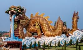 Groot draakstandbeeld, Supanburi, Thailand Stock Foto