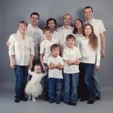 Groot familieportret, studio Royalty-vrije Stock Foto's