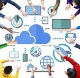 Groot Gegevens het Delen Online Globaal Communicatie Wolkenconcept Royalty-vrije Stock Afbeeldingen