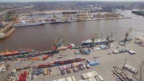 Groot havenst. petersburg, luchtmening stock video
