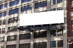 Groot, horizontaal, aanplakbord op de de bouwmuur Royalty-vrije Stock Fotografie