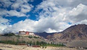 Groot Indisch Klooster in stad van Leh royalty-vrije stock foto