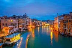 Groot kanaal bij nacht in Venetië, Italië Royalty-vrije Stock Afbeelding