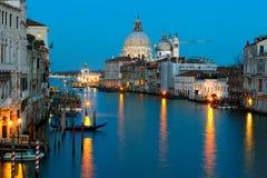 Groot kanaal en Begroeting bij schemer, Venetië Royalty-vrije Stock Afbeeldingen