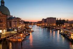Groot Kanaal in zonsondergangtijd, Venetië Royalty-vrije Stock Foto's